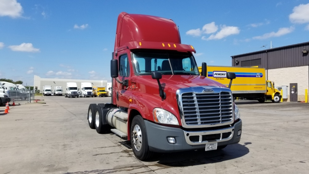 Day Cab Tractor-Heavy Duty Tractors-Freightliner-2013-Cascadia 12564ST-DALLAS-TX-180,853 miles-$39,000