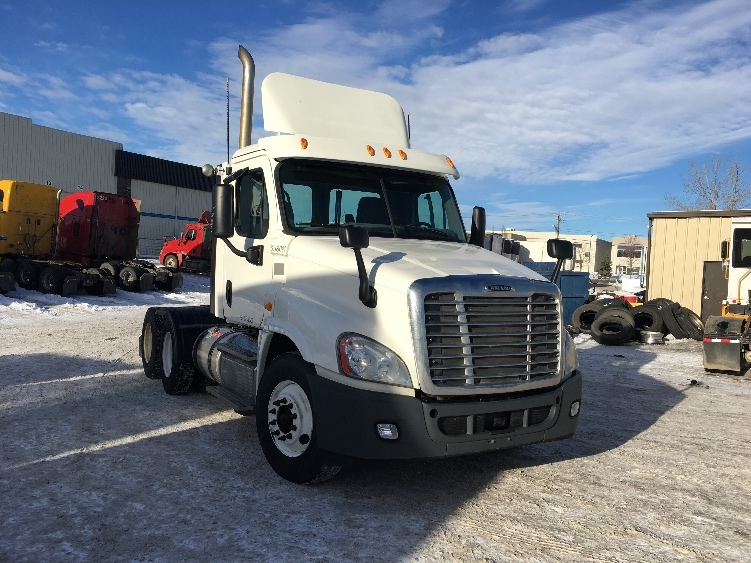 Day Cab Tractor-Heavy Duty Tractors-Freightliner-2013-Cascadia 12564ST-CALGARY-AB-339,420 km-$73,000