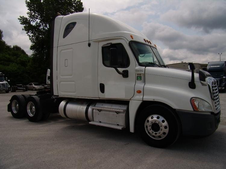 Sleeper Tractor-Heavy Duty Tractors-Freightliner-2013-Cascadia 12564ST-JACKSON-TN-535,217 miles-$48,500