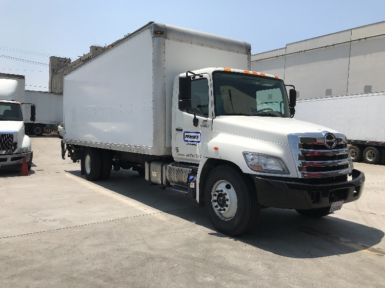 Medium Duty Box Truck-Light and Medium Duty Trucks-Hino-2013-268-TORRANCE-CA-112,622 miles-$52,250