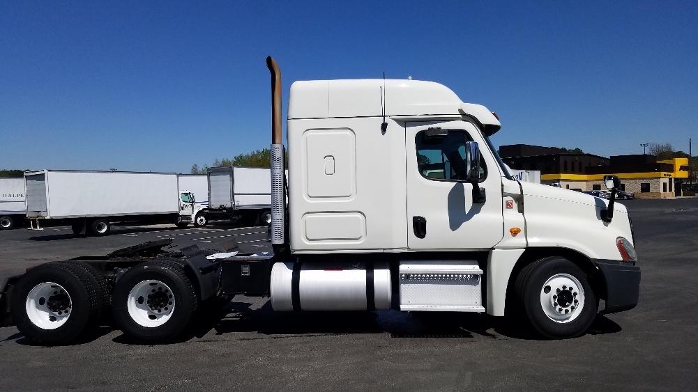 Sleeper Tractor-Heavy Duty Tractors-Freightliner-2013-Cascadia 12564ST-HOMEWOOD-AL-488,900 miles-$43,250