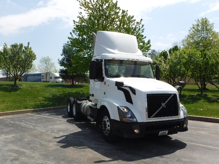 Day Cab Tractor-Heavy Duty Tractors-Volvo-2013-VNL64T300-KING OF PRUSSIA-PA-289,445 miles-$38,250