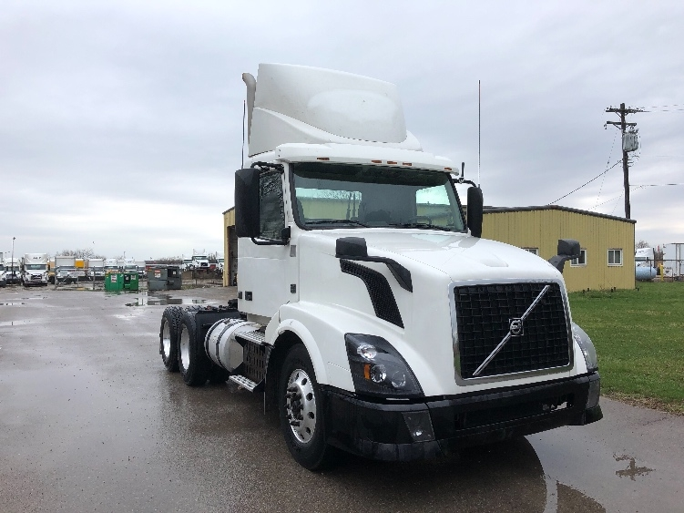 Day Cab Tractor-Heavy Duty Tractors-Volvo-2013-VNL64T300-MONROE-OH-699,718 miles-$28,750