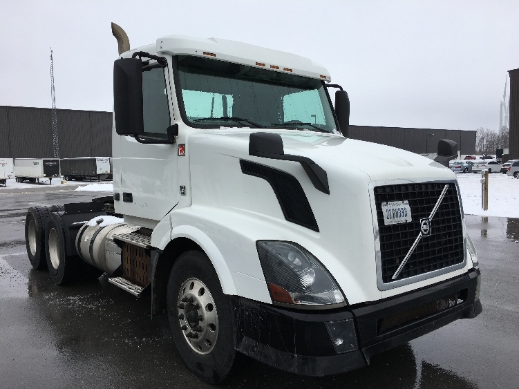 Day Cab Tractor-Heavy Duty Tractors-Volvo-2013-VNL64T300-PERRYSBURG-OH-255,321 miles-$44,250