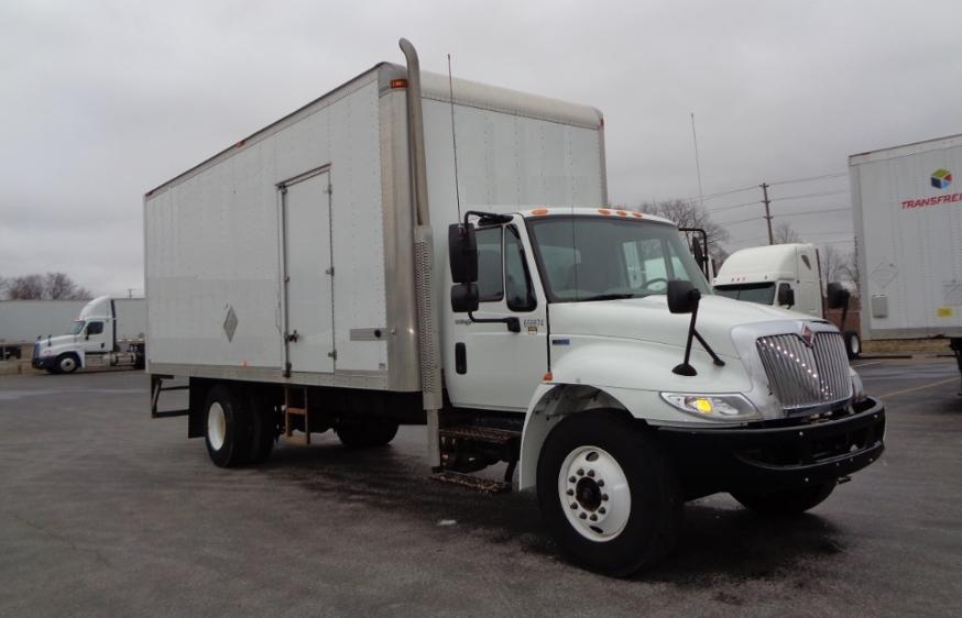 Medium Duty Box Truck-Light and Medium Duty Trucks-International-2013-4300-LONDON-ON-114,094 km-$36,250