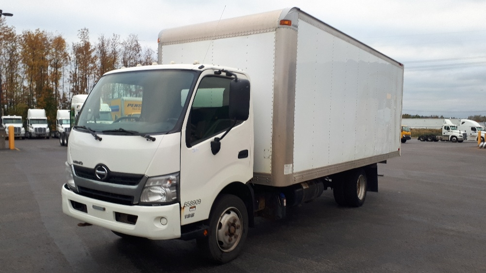 Medium Duty Box Truck-Light and Medium Duty Trucks-Hino-2013-195-STE-FOY-PQ-177,469 km-$32,750