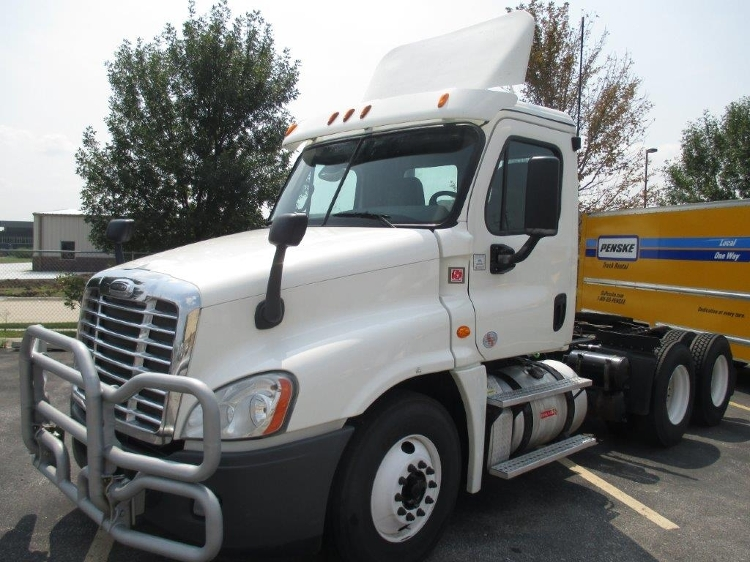 Day Cab Tractor-Heavy Duty Tractors-Freightliner-2013-Cascadia 12564ST-LINCOLN-NE-484,416 miles-$34,250