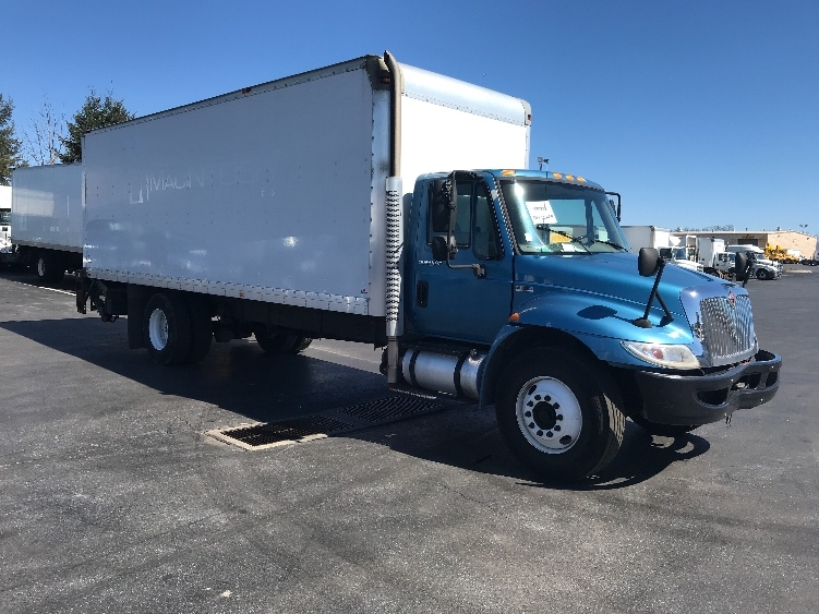 Medium Duty Box Truck-Light and Medium Duty Trucks-International-2013-4300-ALLENTOWN-PA-166,940 miles-$23,750