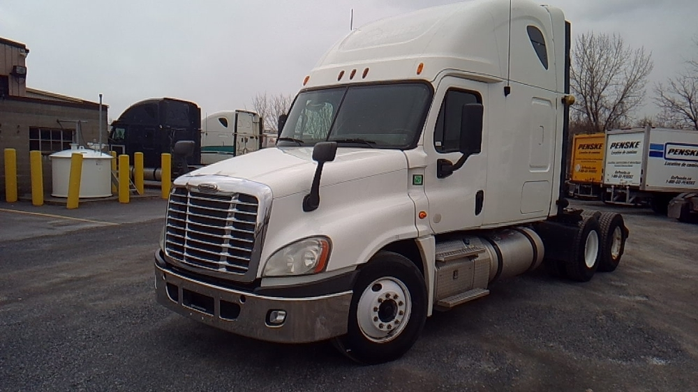 Sleeper Tractor-Heavy Duty Tractors-Freightliner-2013-Cascadia 12564ST-MONTREAL-PQ-906,101 km-$52,000