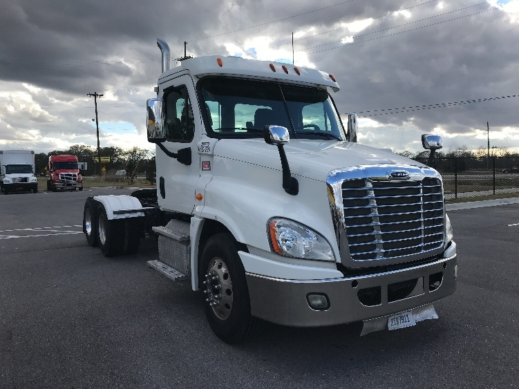 Day Cab Tractor-Heavy Duty Tractors-Freightliner-2013-Cascadia 12564ST-LAFAYETTE-LA-313,125 miles-$43,000