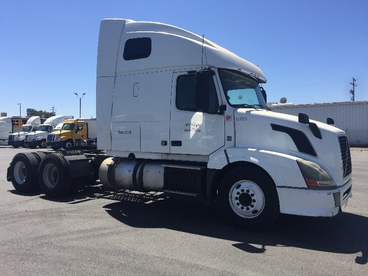 Sleeper Tractor-Heavy Duty Tractors-Volvo-2013-VNL64T670-WEST VALLEY CITY-UT-531,412 miles-$16,000