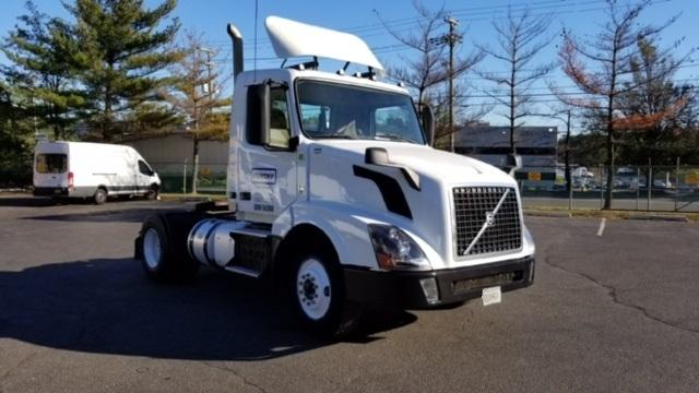 Day Cab Tractor-Heavy Duty Tractors-Volvo-2013-VNL42300-EDISON-NJ-201,213 miles-$46,000