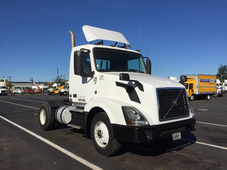 Day Cab Tractor-Heavy Duty Tractors-Volvo-2013-VNL42300-SOUTH PLAINFIELD-NJ-198,922 miles-$43,250