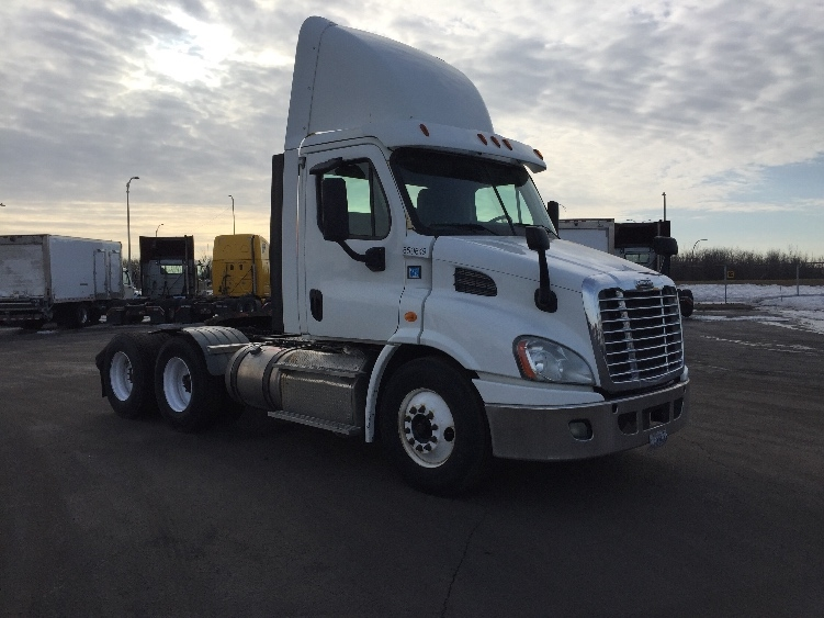 Day Cab Tractor-Heavy Duty Tractors-Freightliner-2013-Cascadia 11364ST-SAINT LAURENT-PQ-517,881 km-$38,000