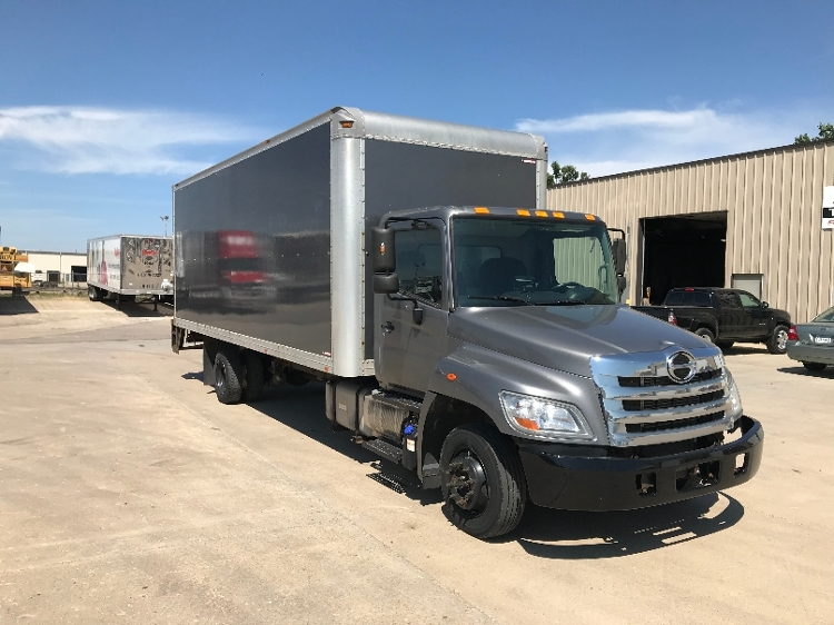 Medium Duty Box Truck-Light and Medium Duty Trucks-Hino-2013-258LP-BROOKLYN PARK-MN-131,800 miles-$42,500