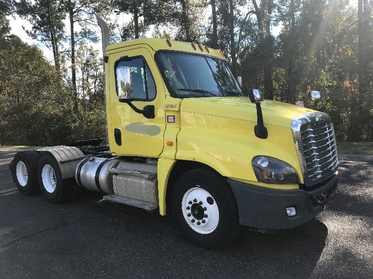 Day Cab Tractor-Heavy Duty Tractors-Freightliner-2013-Cascadia 12564ST-SUMMERVILLE-SC-314,499 miles-$31,500