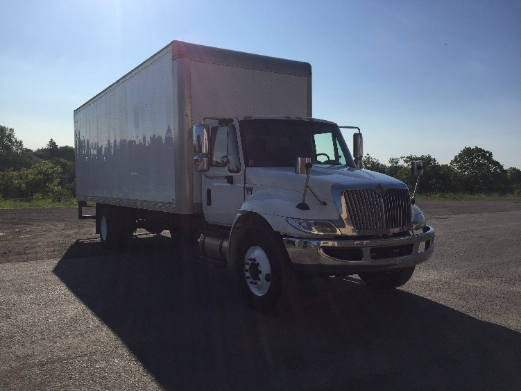 Medium Duty Box Truck-Light and Medium Duty Trucks-International-2013-4300M7-MISSISSAUGA-ON-303,624 km-$33,750