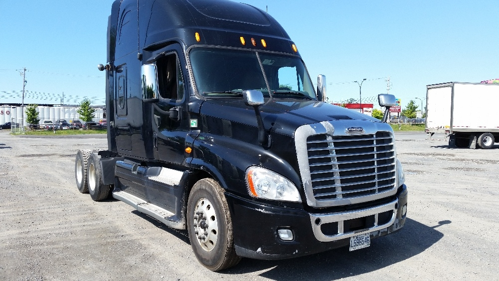Sleeper Tractor-Heavy Duty Tractors-Freightliner-2013-Cascadia 12564ST-MONTREAL-PQ-799,321 km-$56,500
