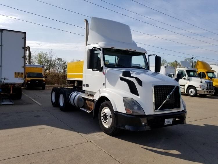 Day Cab Tractor-Heavy Duty Tractors-Volvo-2013-VNL64T300-ALLEN PARK-MI-440,038 miles-$29,500