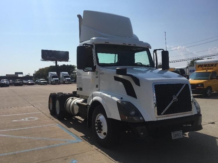 Day Cab Tractor-Heavy Duty Tractors-Volvo-2013-VNL64T300-ALLEN PARK-MI-366,036 miles-$45,750