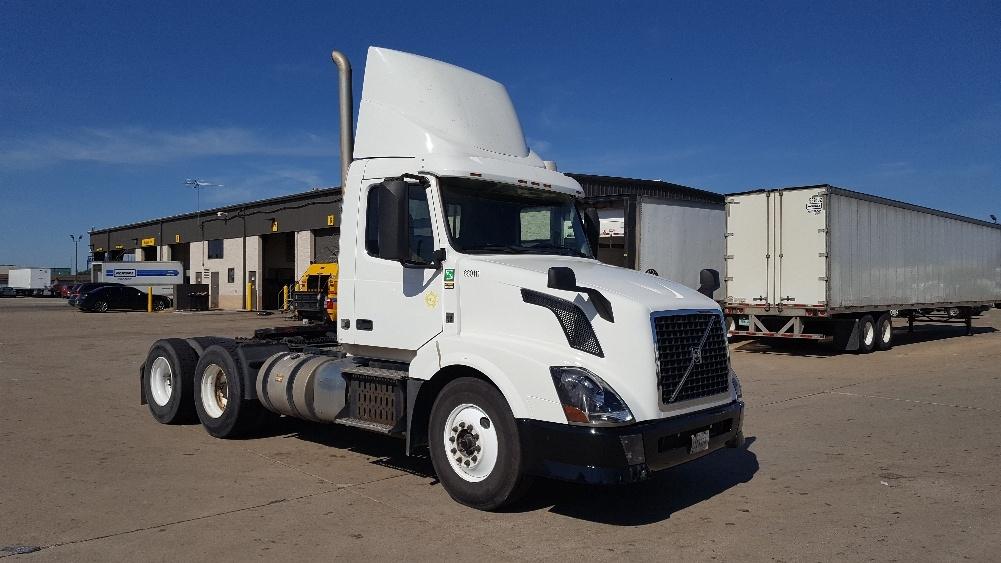 Day Cab Tractor-Heavy Duty Tractors-Volvo-2013-VNL64T300-ALLEN PARK-MI-366,436 miles-$45,750