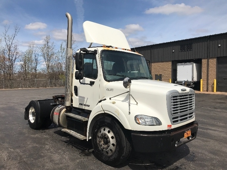 Day Cab Tractor-Heavy Duty Tractors-Freightliner-2013-M211242S-LIVERPOOL-NY-96,700 miles-$31,000