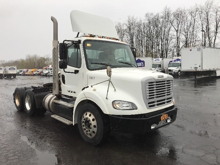 Day Cab Tractor-Heavy Duty Tractors-Freightliner-2013-M211264S-LIVERPOOL-NY-117,248 miles-$42,250
