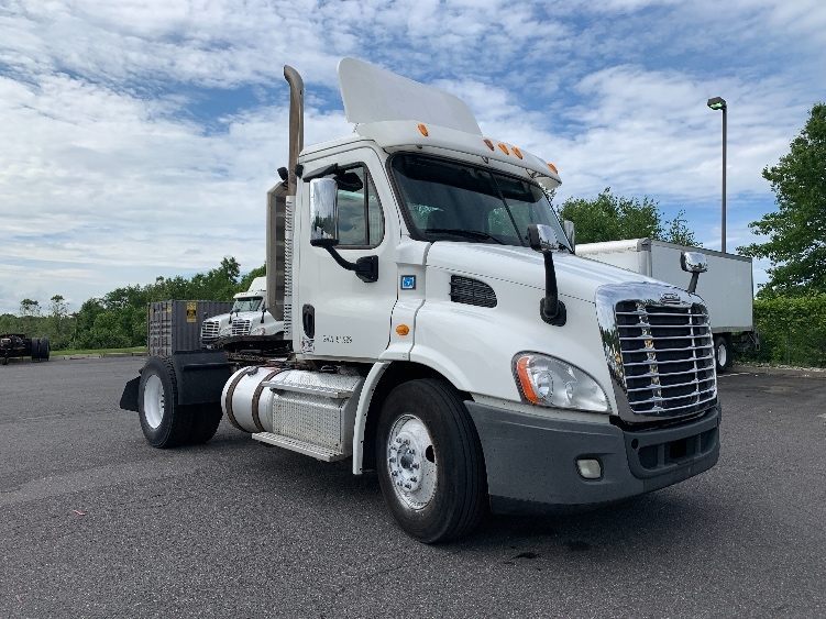 Day Cab Tractor-Heavy Duty Tractors-Freightliner-2013-Cascadia 11342ST-MONTGOMERY-NY-292,403 miles-$33,750