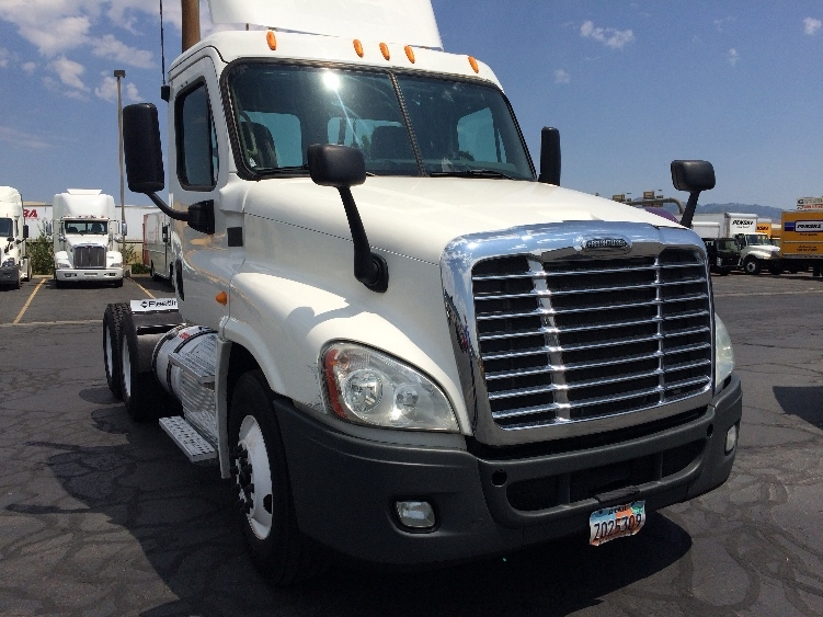 Day Cab Tractor-Heavy Duty Tractors-Freightliner-2013-Cascadia 12564ST-BOISE-ID-489,009 miles-$38,750