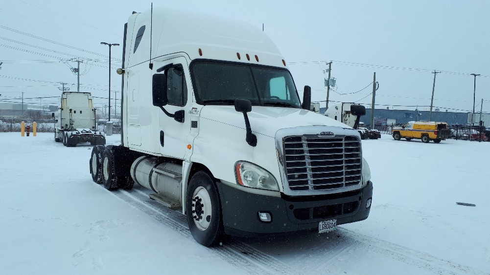 Sleeper Tractor-Heavy Duty Tractors-Freightliner-2013-Cascadia 12564ST-STE-FOY-PQ-807,811 km-$50,250