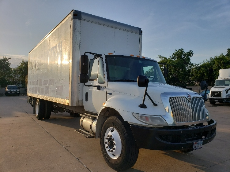 Medium Duty Box Truck-Light and Medium Duty Trucks-International-2013-4300M7-HOUSTON-TX-97,419 miles-$38,000