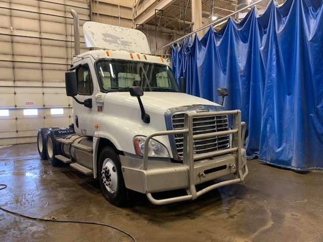 Day Cab Tractor-Heavy Duty Tractors-Freightliner-2013-Cascadia 12564ST-EDMONTON-AB-871,872 km-$41,000