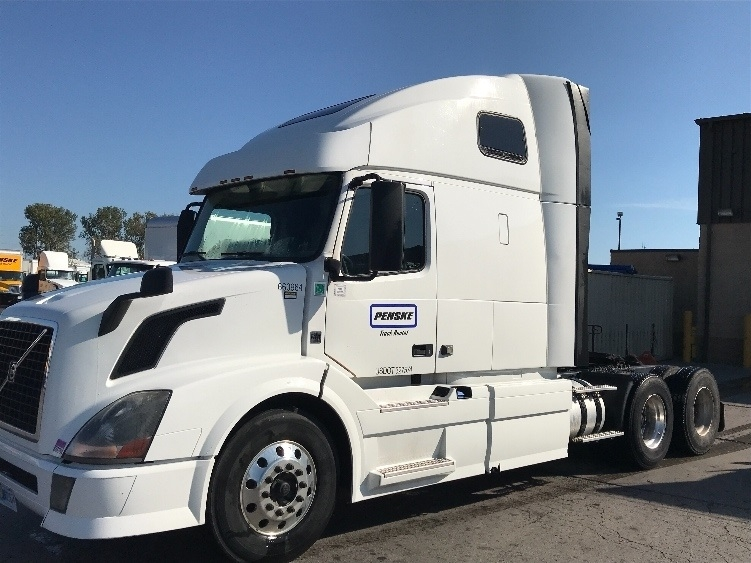 Sleeper Tractor-Heavy Duty Tractors-Volvo-2013-VNL64T670-RIVIERA BEACH-FL-601,488 miles-$28,500