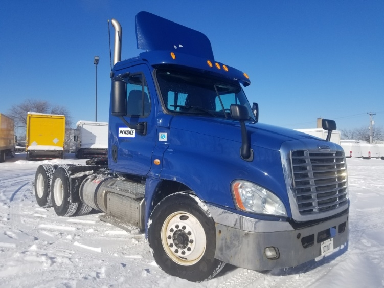 Day Cab Tractor-Heavy Duty Tractors-Freightliner-2013-Cascadia 12564ST-ROSEVILLE-MN-164,888 miles-$55,250