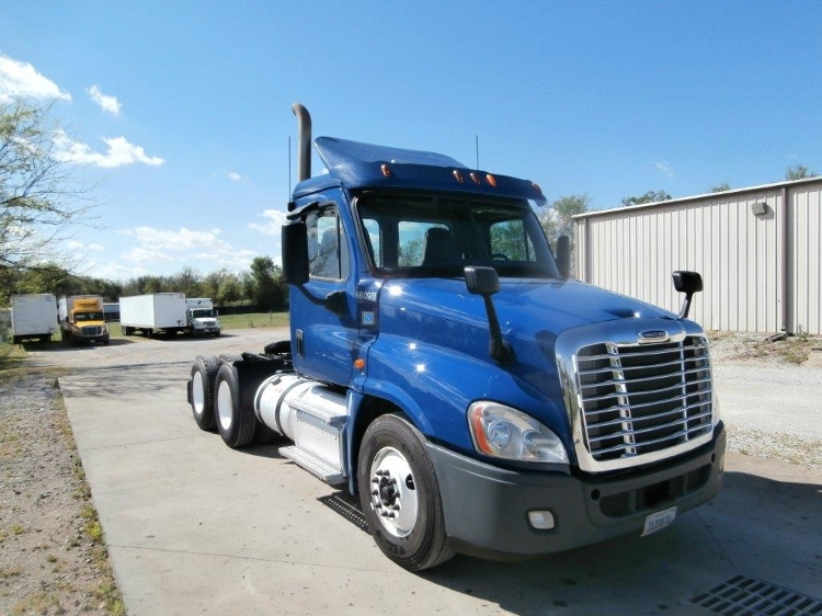 Day Cab Tractor-Heavy Duty Tractors-Freightliner-2013-Cascadia 12564ST-TUSCUMBIA-AL-347,011 miles-$41,000
