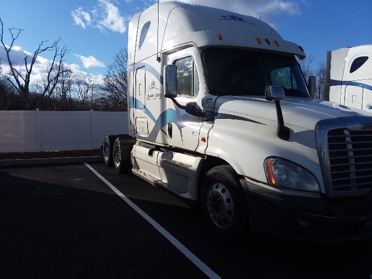 Sleeper Tractor-Heavy Duty Tractors-Freightliner-2013-Cascadia 12564ST-PITTSBURGH-PA-757,215 miles-$32,500