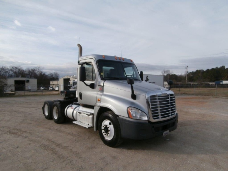 Day Cab Tractor-Heavy Duty Tractors-Freightliner-2013-Cascadia 12564ST-DECATUR-AL-406,098 miles-$34,750