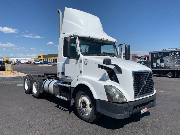 Day Cab Tractor-Heavy Duty Tractors-Volvo-2013-VNL64T300-DENVER-CO-160,000 miles-$54,000