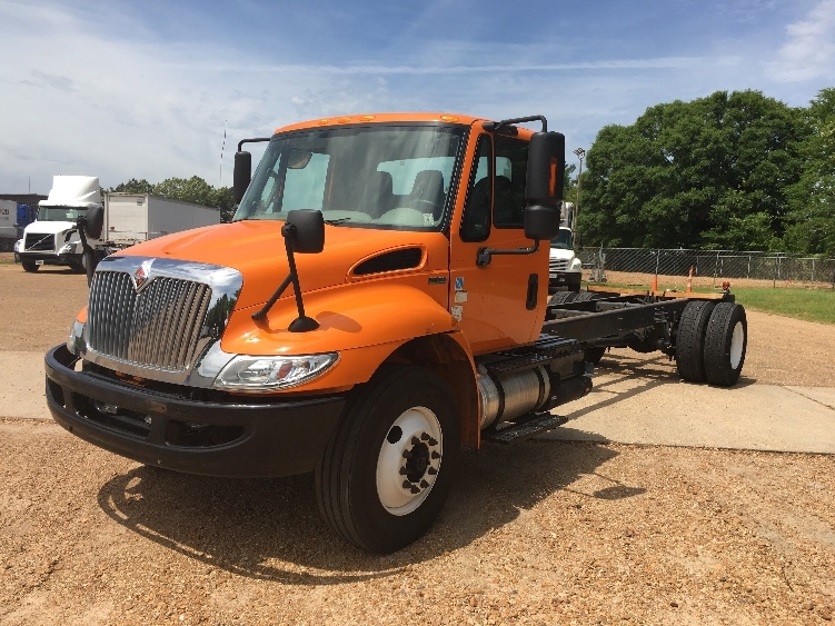 Cab and Chassis Truck-Light and Medium Duty Trucks-International-2013-4300-JACKSON-MS-170,036 miles-$21,500