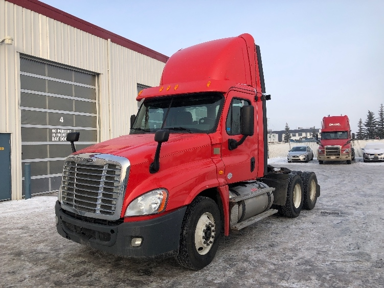 Day Cab Tractor-Heavy Duty Tractors-Freightliner-2013-Cascadia 12564ST-CALGARY-AB-211,142 km-$41,500