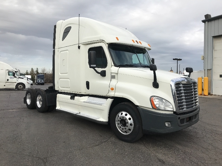 Sleeper Tractor-Heavy Duty Tractors-Freightliner-2013-Cascadia 12564ST-BRAMPTON-ON-576,818 km-$51,500