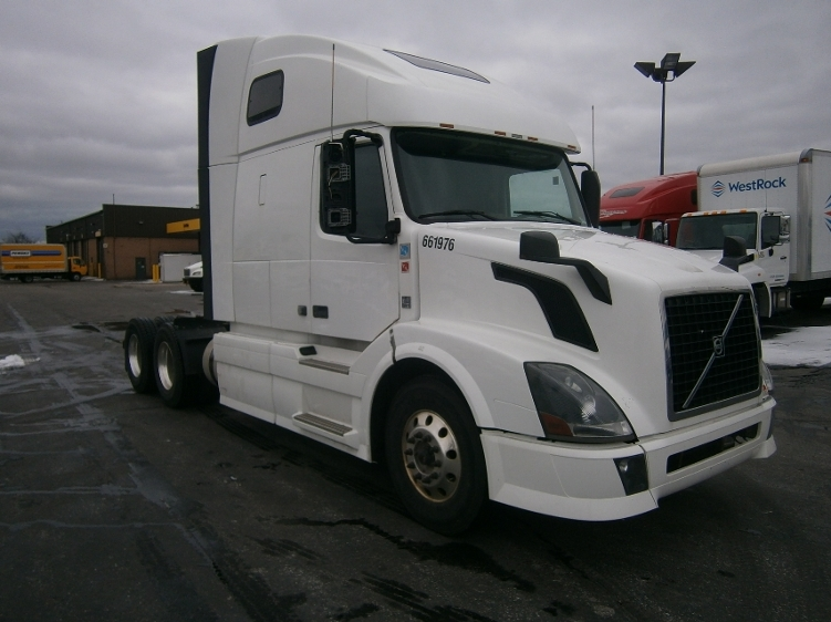 Sleeper Tractor-Heavy Duty Tractors-Volvo-2013-VNL64T670-MISSISSAUGA-ON-807,714 km-$58,000