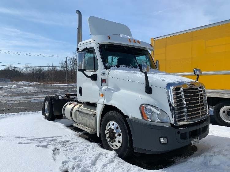 Day Cab Tractor-Heavy Duty Tractors-Freightliner-2013-Cascadia 12542ST-FREDONIA-NY-256,472 miles-$34,250