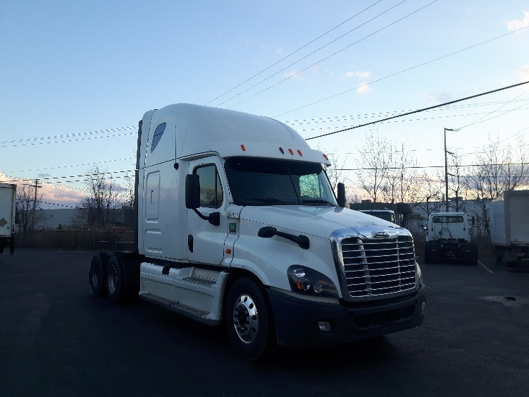 Sleeper Tractor-Heavy Duty Tractors-Freightliner-2013-Cascadia 12564ST-BOUCHERVILLE-PQ-754,356 km-$61,750