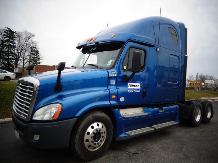 Sleeper Tractor-Heavy Duty Tractors-Freightliner-2013-Cascadia 12564ST-BURLINGTON-ON-961,816 km-$56,250