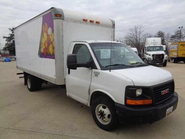 Medium Duty Box Truck-Light and Medium Duty Trucks-GMC-2013-G33903-CAPITOL HEIGHTS-MD-117,673 miles-$14,500