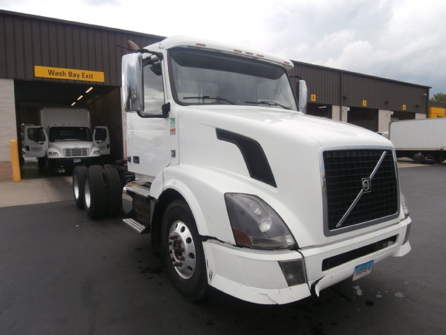 Day Cab Tractor-Heavy Duty Tractors-Volvo-2013-VNL64T300-WEST HAVEN-CT-262,759 miles-$49,250