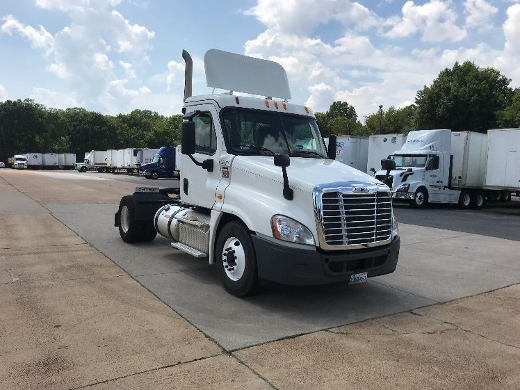 Day Cab Tractor-Heavy Duty Tractors-Freightliner-2013-Cascadia 12542ST-MEMPHIS-TN-125,970 miles-$46,000