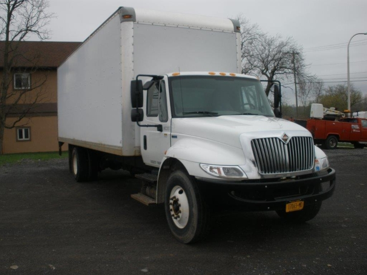 Medium Duty Box Truck-Light and Medium Duty Trucks-International-2013-4300M7-EAST SYRACUSE-NY-43,993 miles-$38,750