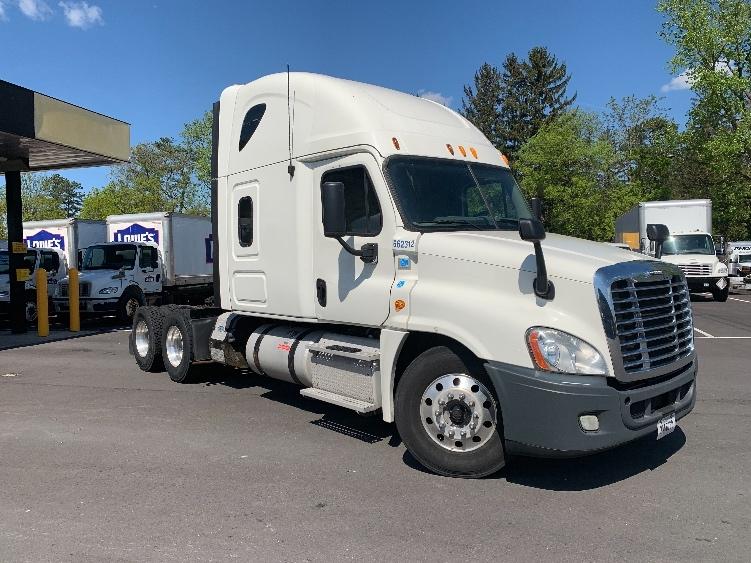 Sleeper Tractor-Heavy Duty Tractors-Freightliner-2013-Cascadia 12564ST-ALBANY-NY-519,285 miles-$40,000